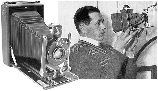 Adolf_Hjort_m_kamera_2